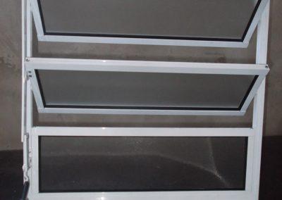 vitrô de alumínio basculant